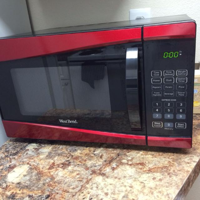 Practically Brand New West Bend 900 Watt Red Microwave Used Three Times Retails At 80