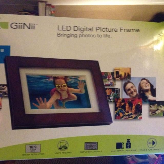 Best Giinii 7 Digital Photo Frame For Sale In Jeffersonville New