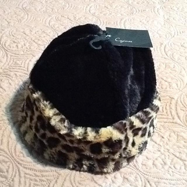 94f674e3224 Best Winter Hat - Cejon Faux Fur Hat (nwt  Black With Brown beige Accents)  for sale in Morton