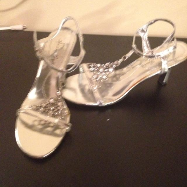 43fd8e908b25 Find more Silver Blingy Shoes for sale at up to 90% off