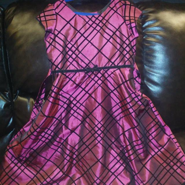 girls christmas dress size 6 5 to first one to pick up