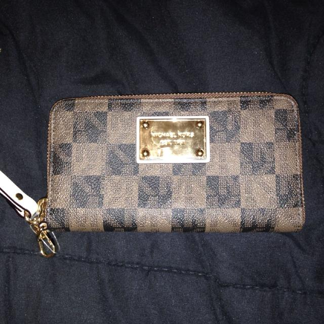 aa9002f2d47d Best Real Michael Kors Wallet Brand New!!! Never Used! Paid 130$ Wanting 90  Obo. Meet At Mobile Hwy Home Depot Or Cordova Mall. for sale in Pensacola,  ...