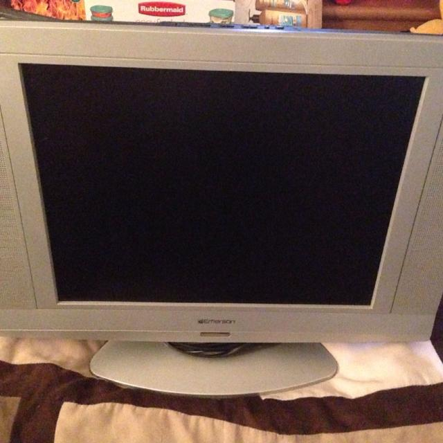 Best 19 Emerson Tv Has A Built In Dvd Player For Sale In Anthem