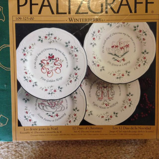 pfaltzgraff winterberry twelve days of christmas salad plates set 2