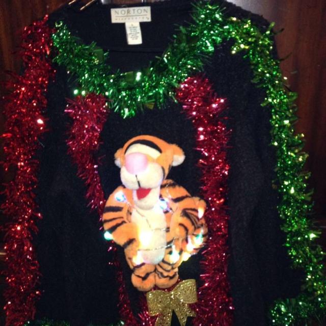 ugly christmas sweater tigger lights up and flashes on the sweater the lights can
