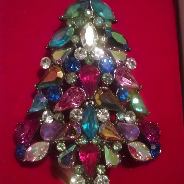 cb9e5b0d8d2 Best 2006 Avon Collectible Christmas Tree Pin for sale in Lake Elsinore,  California for 2019