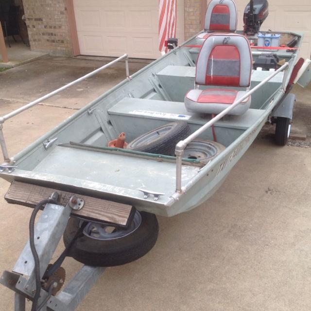 Find more 15 39 monark jon boat with 15hp es evinrude motor for Fish finder for jon boat