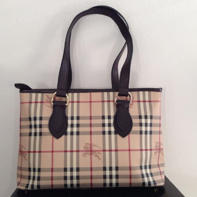 Best Last Reduction - Authentic Burberry Haymarket Check Regent Tote.  Perfect Condition. for sale in Huntersville 07e2c3b80b4d0