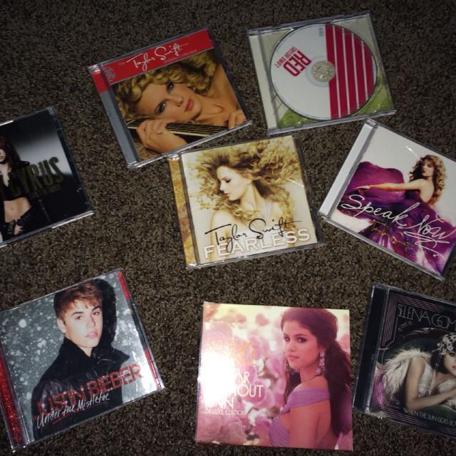 Best Tween Cd Collection-taylor Swift, Selena Gomez ...  Best Tween Cd C...