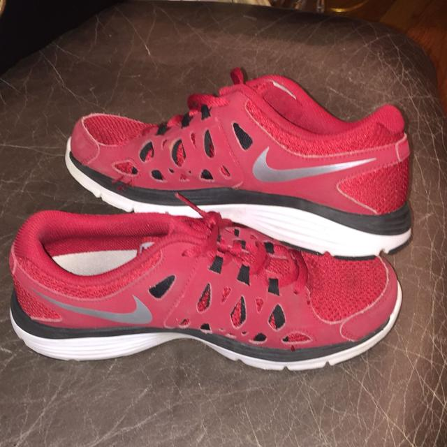 f525d04577fa Best Boys Nike Tennis Shoes Size 5 for sale in Germantown