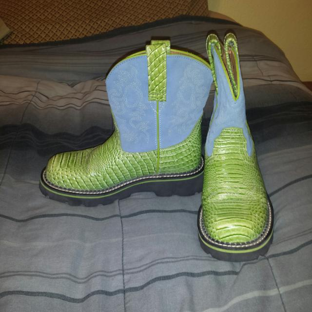 Best Ariat Baby Fat Boots Size 6b for sale in Braun Road, San ...