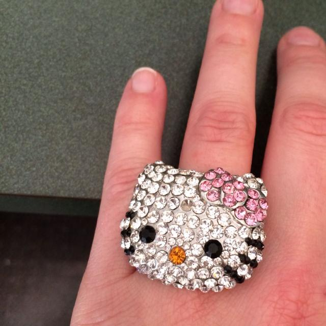 985a2795a Best Hello Kitty Ring Adjustable Size All Rhinestones. Face Of Ring Is Big  In Size. $15 Can Meet In Smithfield Or Clayton. for sale in Clayton, ...