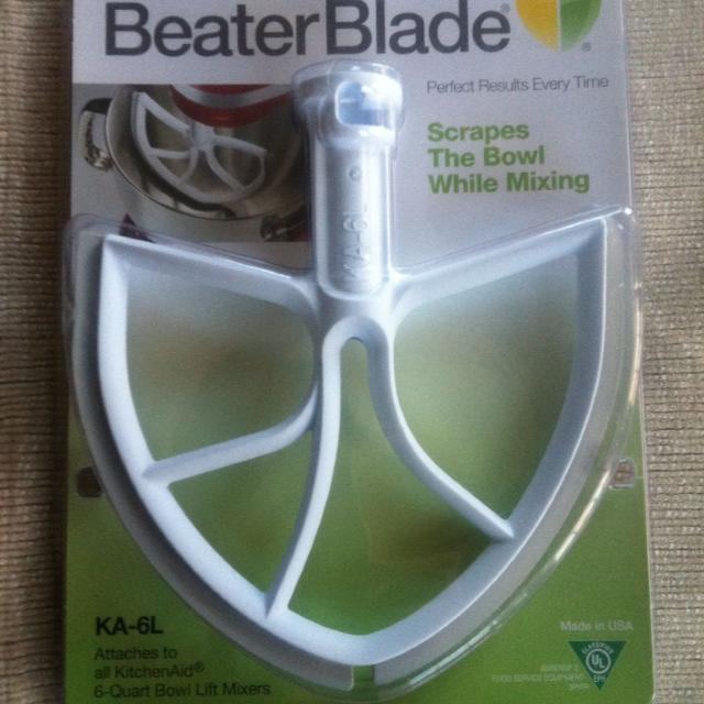 Scraper/mixing blade for kitchen aid brand new too big for my bowl