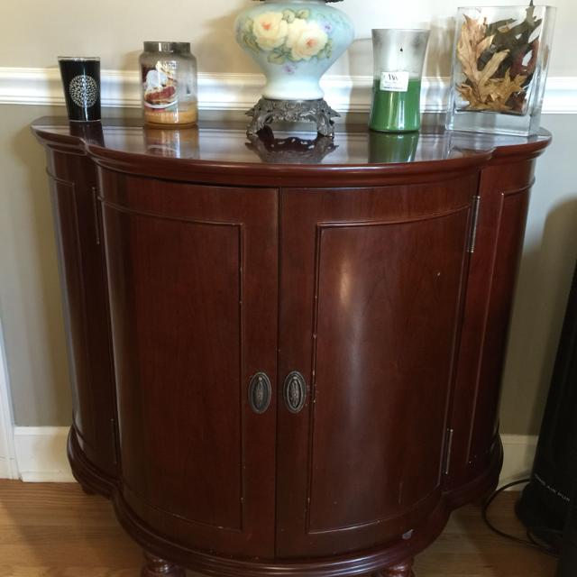 Find more Bombay Bar / Liquor Cabinet for sale at up to 90% off
