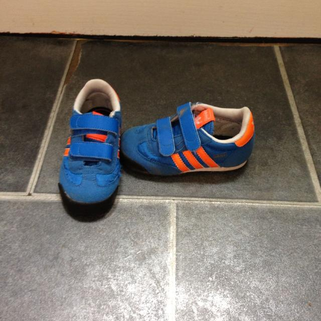 adidas boys trainers size 7
