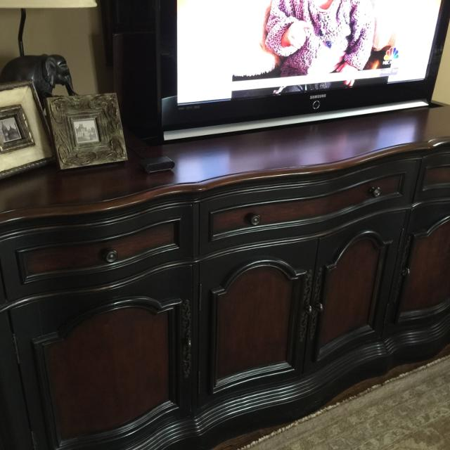 Free Brand Tv Lift Cabinet Entertainment Center Console In Excellent Condition