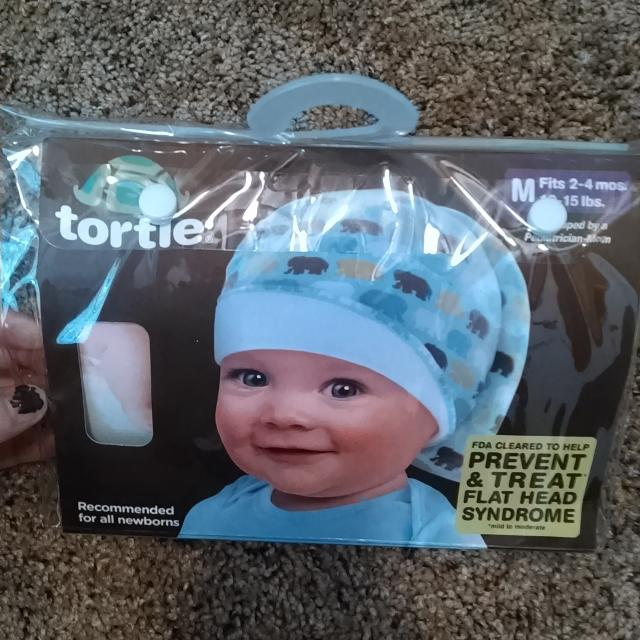 Tortle hat to treat/prevent flat head syndrome