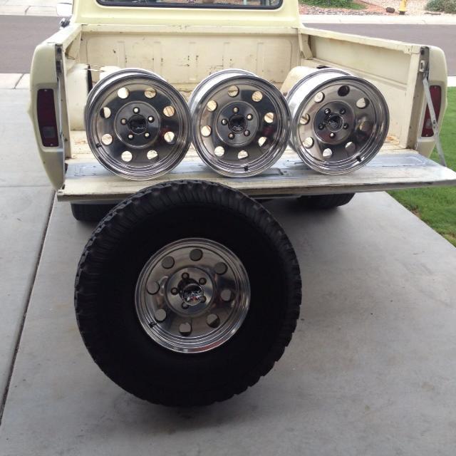Alcoa wheels and 1 33/12 50 BFG tire  15 inch wheels