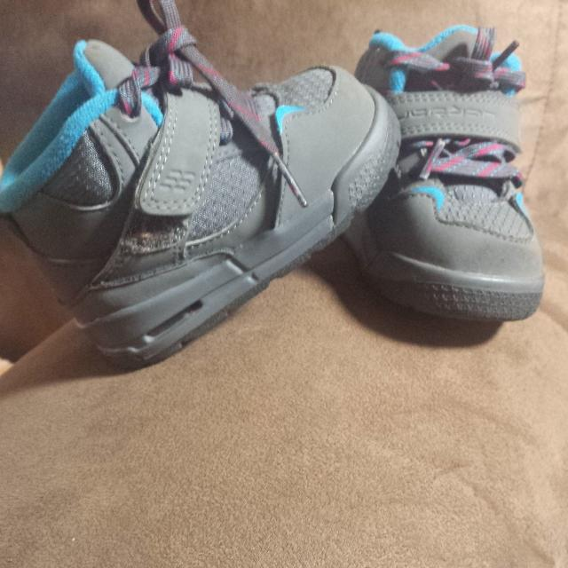 67ebfcb2799a18 Best Baby Jordans Size 4c. for sale in Pine Bluff