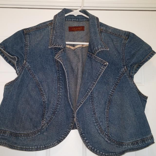 37bf11b11a Find more Karate From Torrid Mini Jean Jacket for sale at up to 90% off