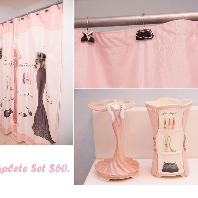 Dressed To Thrill Bath Set