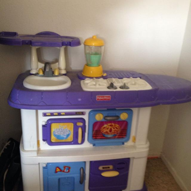 Fisher Price Play Kitchen: Find More Fisher Price Grow With Me Kitchen $40 P/u French