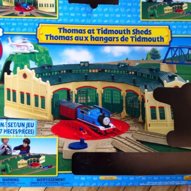 Thomas Christmas Train Set.Thomas At Tidmouth Sheds Trackmaster Train Set Price Reduced Great Christmas Gift