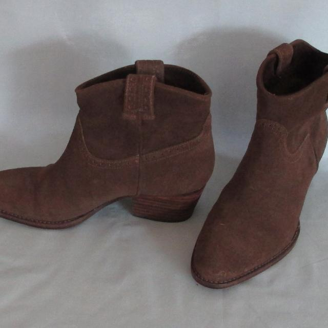 eb650ebdd89 Massimo Dutti Brown Suede Western/Cowboy Ankle Boots