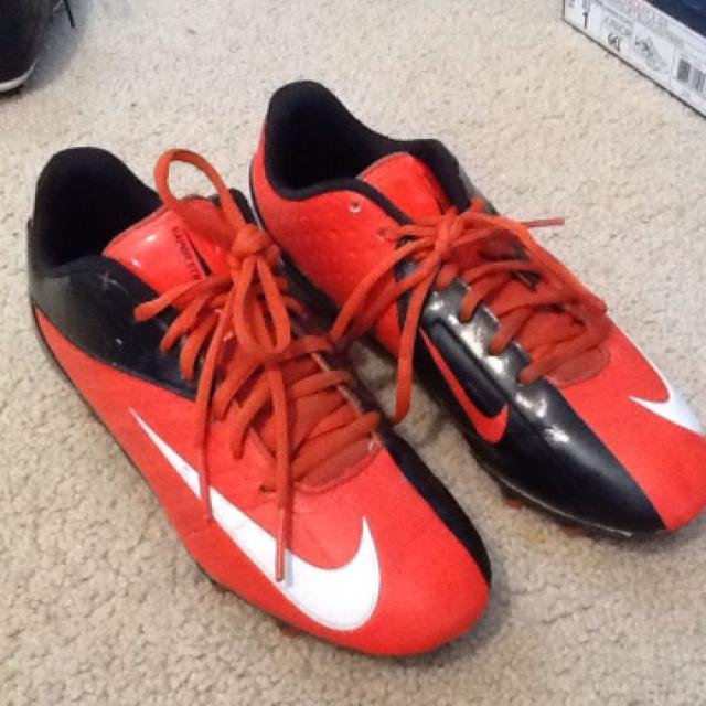 0564751bc4a05c Best Nike Vapor Strike Football Cleats Boys 6.5 for sale in ...