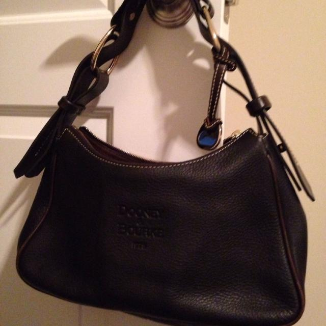 Dooney Bourke 1975 Shoulder Bag Brown Leather