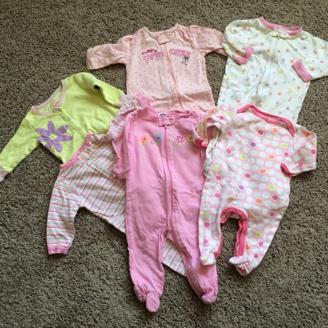 585a4d3fc Find more Baby Girl Footsie Pajamas Sizes Vary Between 0-3 Months To ...