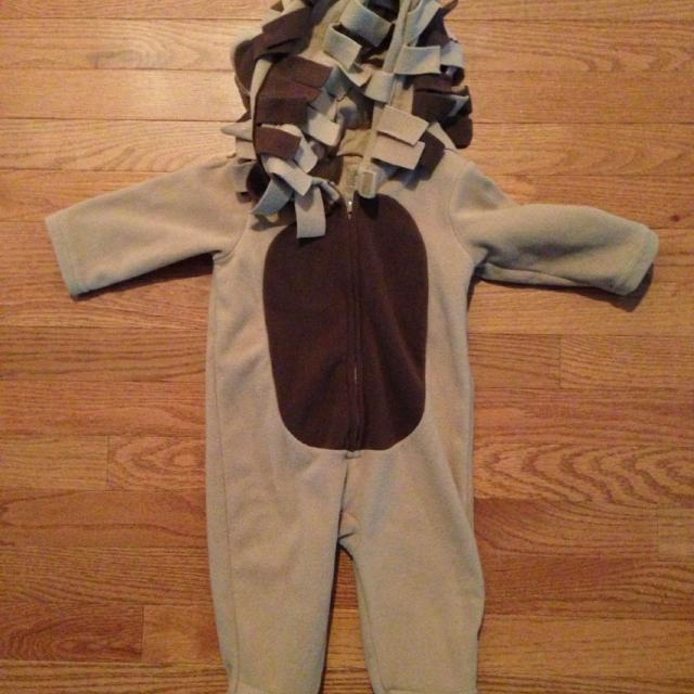 fcb7dceceec8 Best Old Navy Lion Costume-super Warm!!! 6-12 Months for sale in  Portsmouth