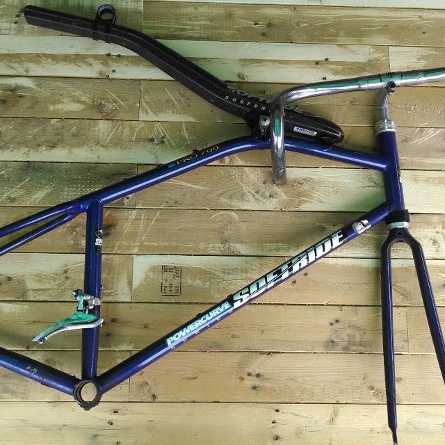Best Soft Ride Frame Pro 700 Road Bike W/ Shimano Dura-ace