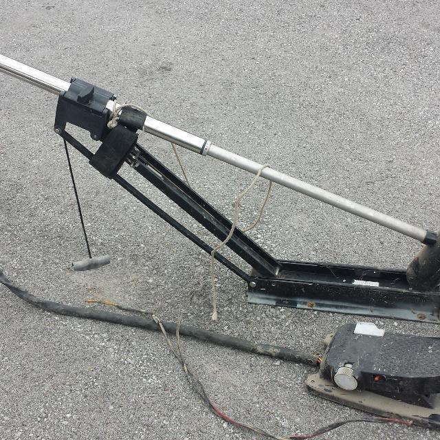 Best motorguide bill dance 30 lbs thrust 12 volt trolling for Motorguide or minn kota trolling motor