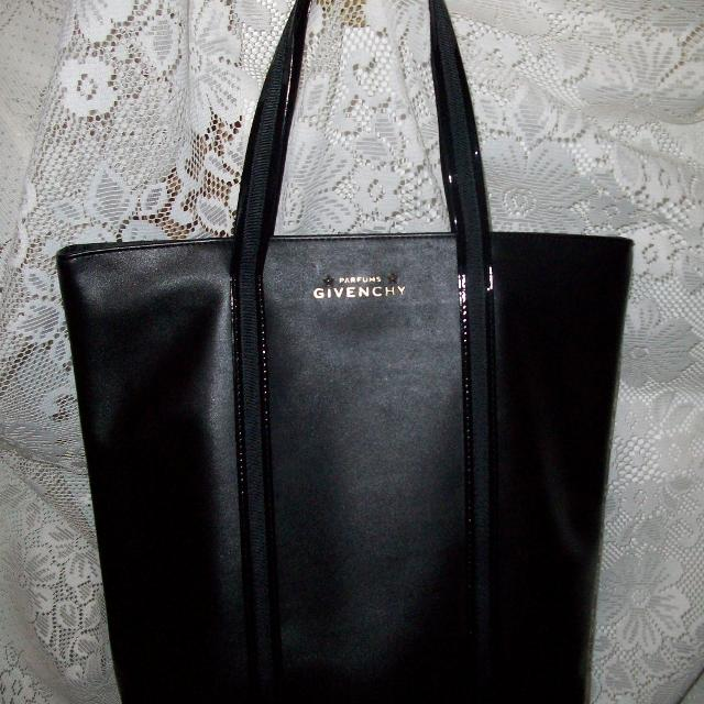 d9fd03ec4c4 Find more Bn..authentic Parfums Givenchy Tote Bag .. for sale at up ...
