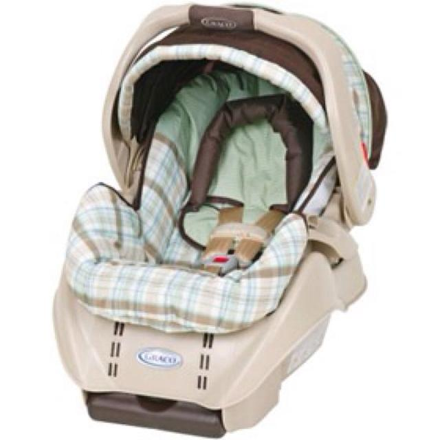 Find more Graco Snugride Classic Connect Infant Car Seat And Base ...