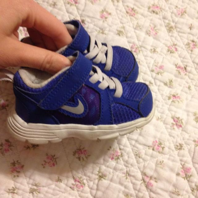 41028dac9c Find more Size 4 Baby Girl Nikes Guc! for sale at up to 90% off
