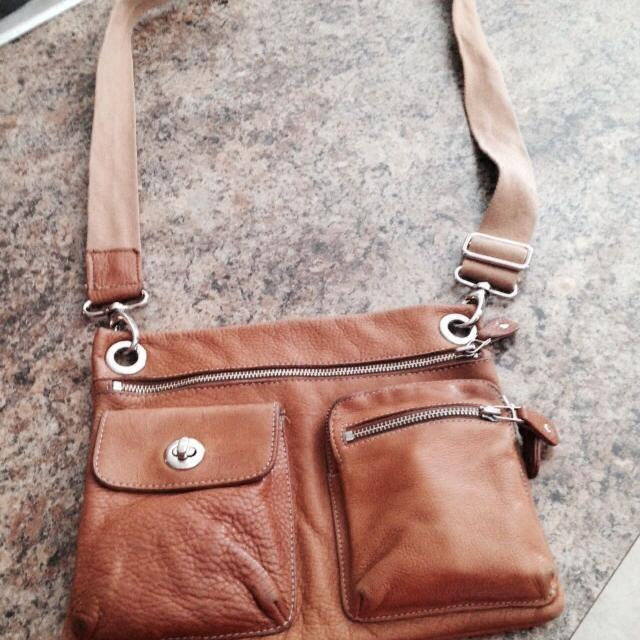 Vintage Roots Genuine Leather Cross Body Messenger Bag Style Purse In Euc New Price