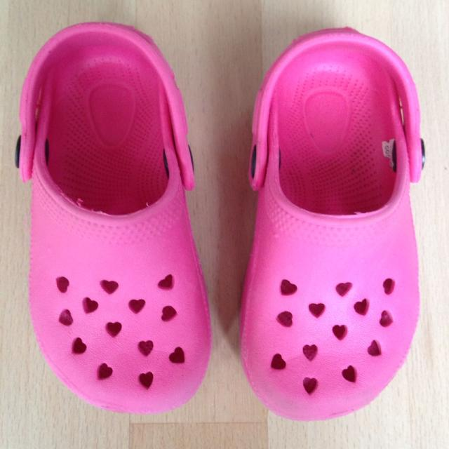 a85f2870f211b5 Best Tesco Girls Pink Croc Type Shoes for sale in Basingstoke for 2019