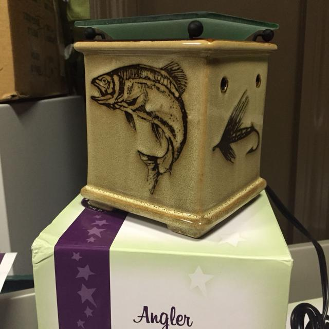 find more scentsy wax warmer angler perfect for the. Black Bedroom Furniture Sets. Home Design Ideas