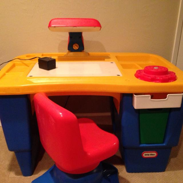 Best Fisher Price Desk And Chair. Desk Has An Overhead And