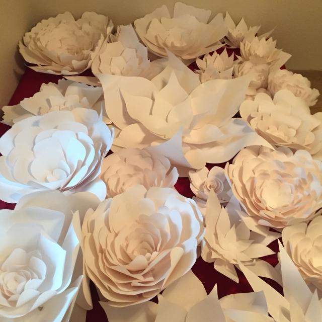 Find more handmade large paper flowers im not gonna make anymore handmade large paper flowers im not gonna make anymore so when they sale mightylinksfo