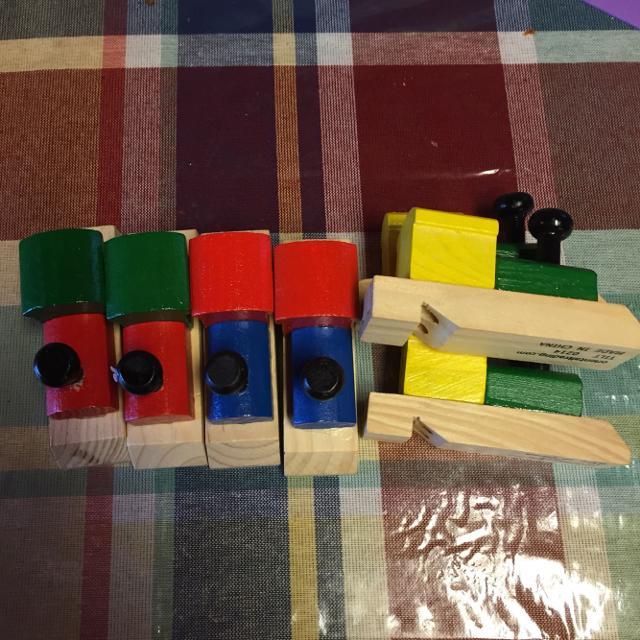 7 wooden train whistles super cute for a train party! CHOO CHOO!