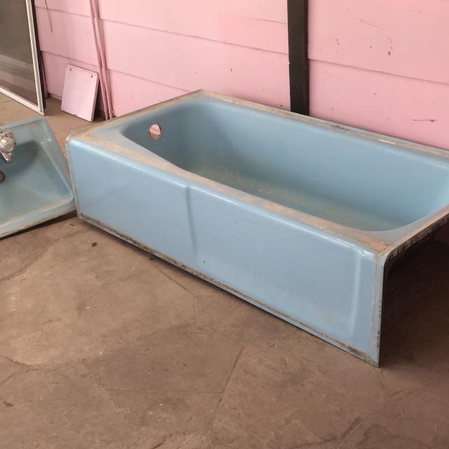 antique cast iron bathtub,  in reno, nevada for 2019
