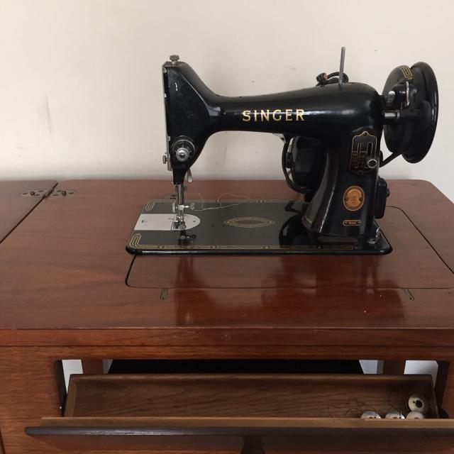 50's-60's Singer sewing machine -$ 50