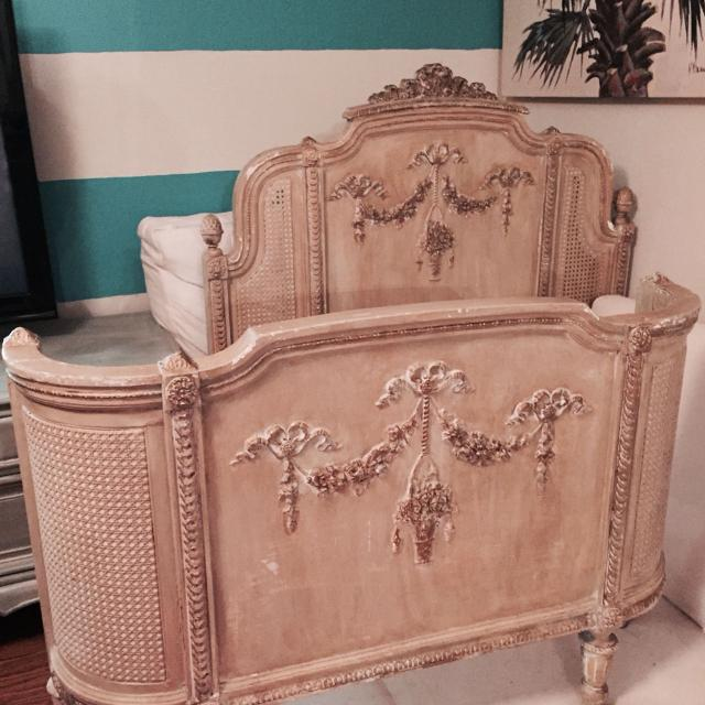 best antique twin ornate headboard and curved footboard firm for sale in mandeville. Black Bedroom Furniture Sets. Home Design Ideas