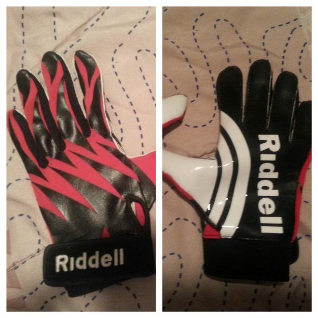 Best Youth Football Gloves for sale in McKenzie 6f381cbcd