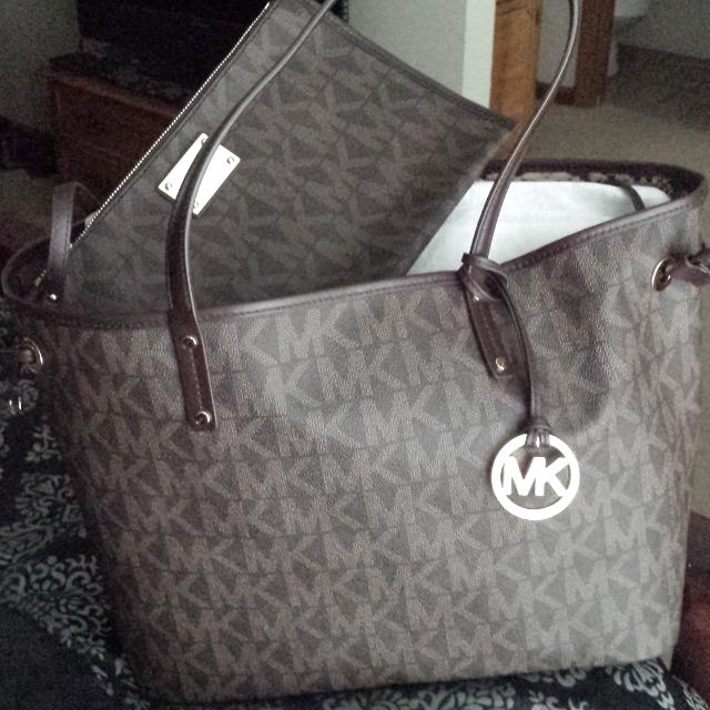 e1e29bc777ac Find more **brand New**with Tags** Michael Kors Bag for sale at up ...