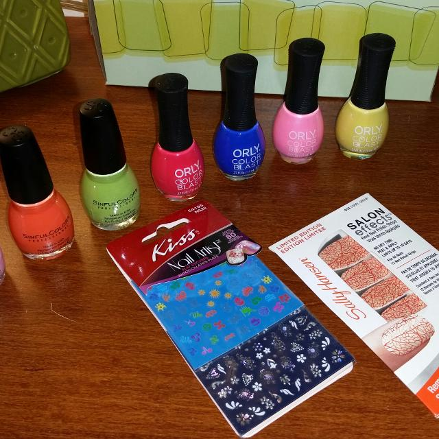 Find more 7 Nail Polishes; \