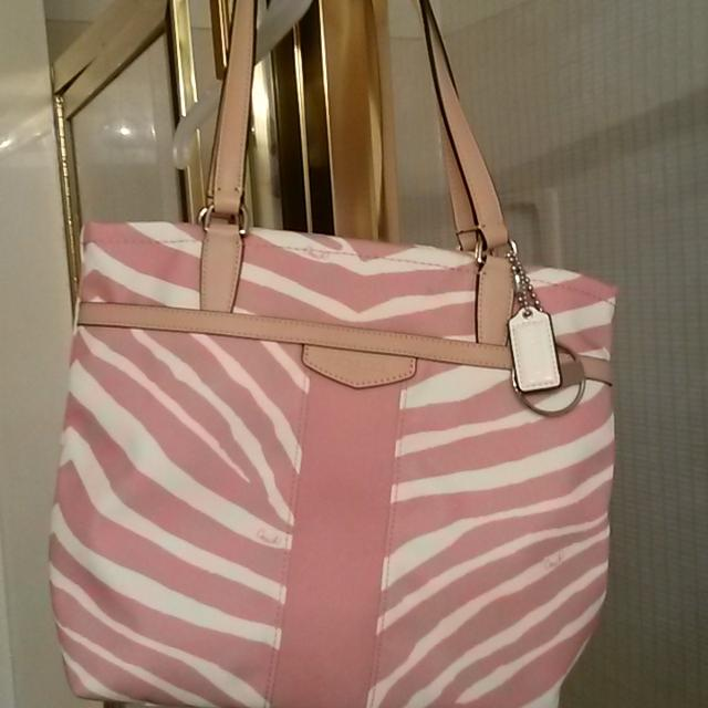 Brand New With Tags Authentic Coach Purse Pink And White Zebra Pattern